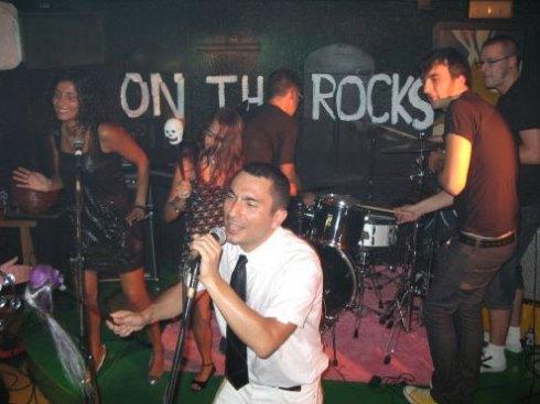 Batucada mourentil no Pub Silfo (Carballo), agosto do 2007